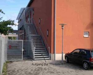 Bild Aufgang TT-Halle klein